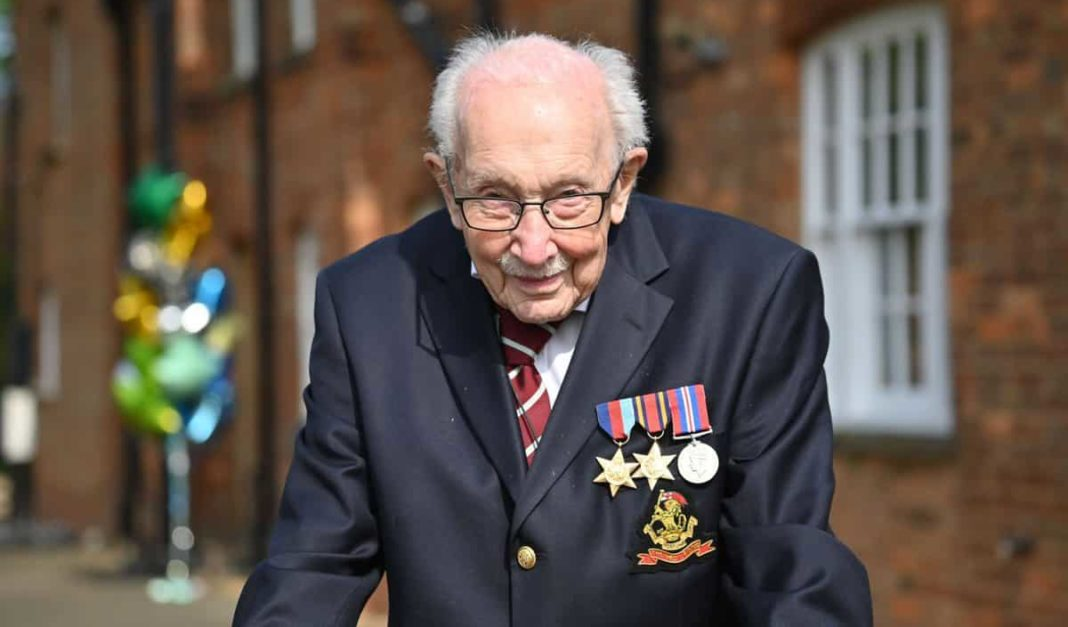 Captain Tom Moore awarded knighthood for NHS fundraising