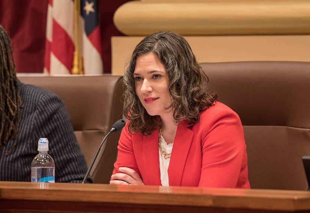 Minneapolis council pledges to dismantle police department
