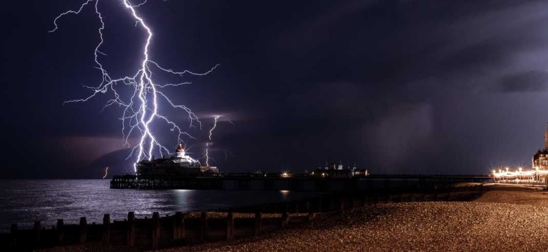 Thunderstorms and flood warnings issued as heatwave continues