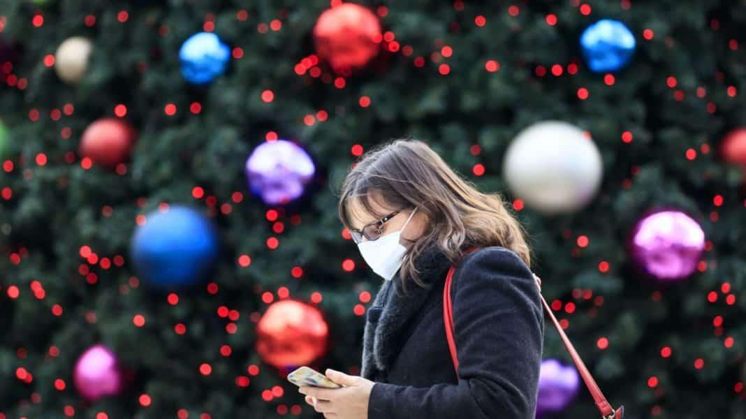 'Recipe for regret' - Boris' Christmas bubble plans under fire