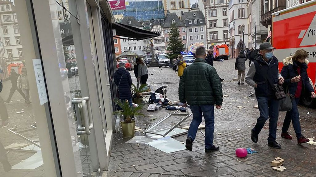 Child killed and several injured after car drives into pedestrians in Germany