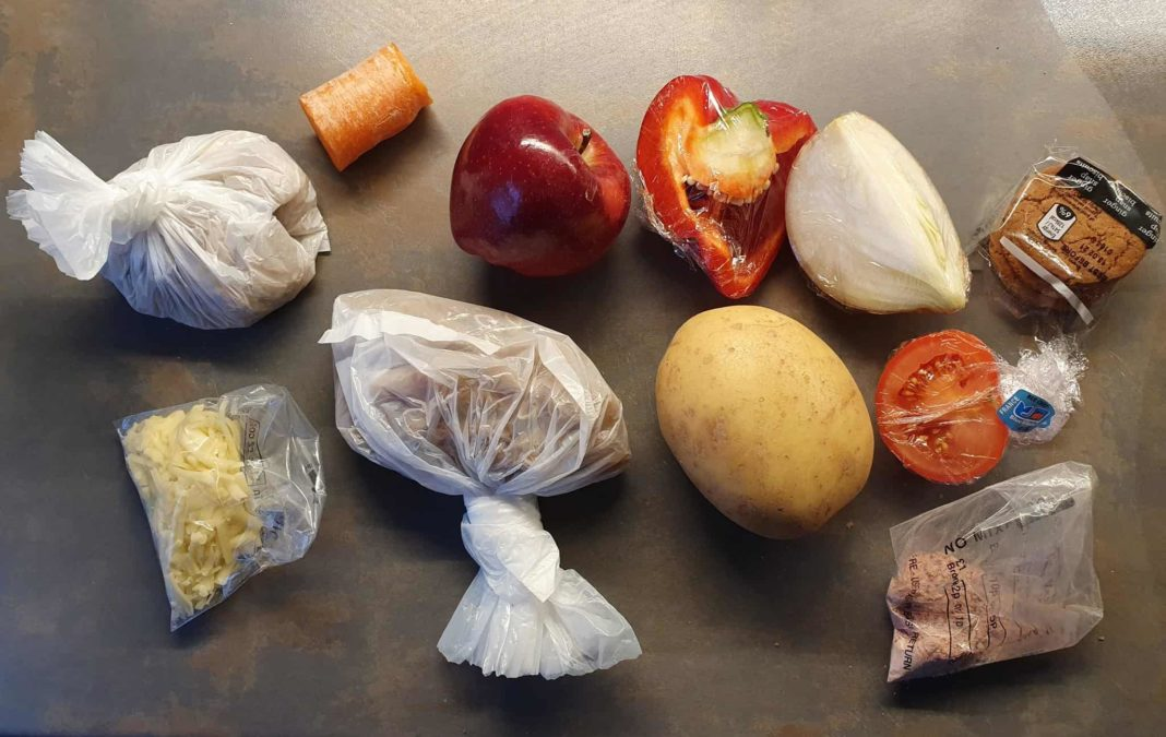 'I could do more with £30': Angry mum criticises free school meals hamper