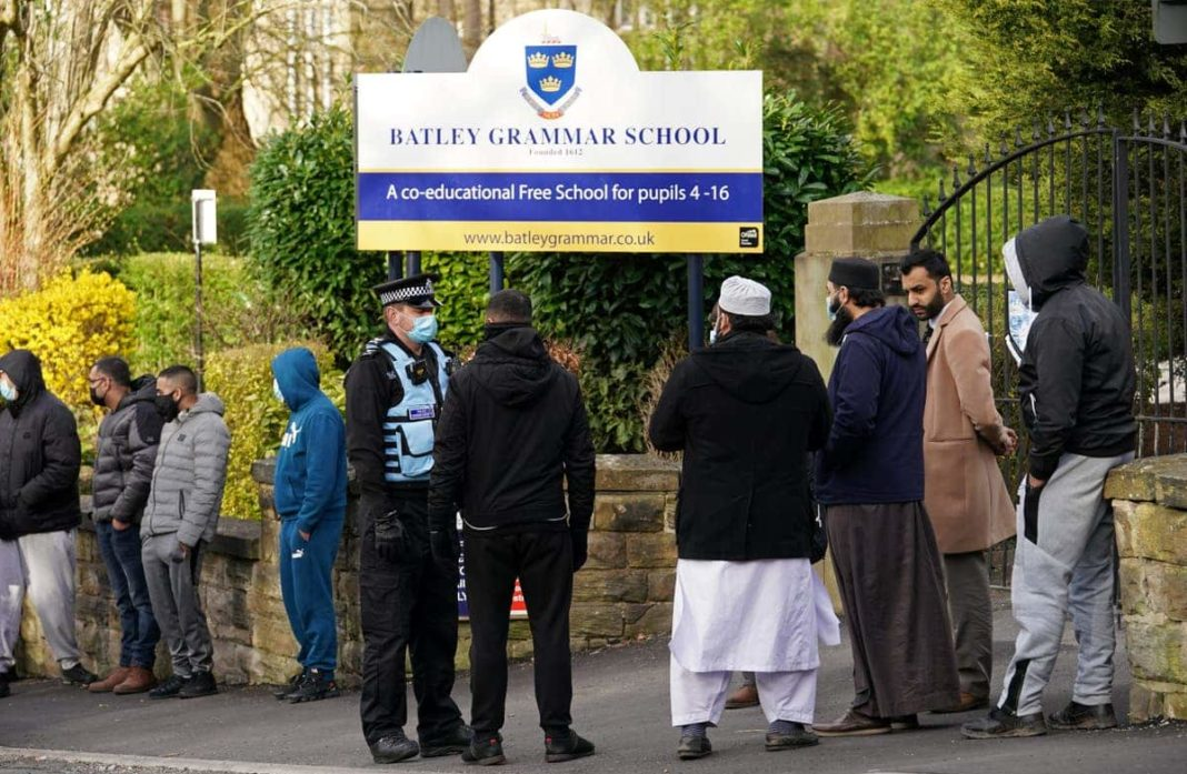 Parents call for calm after image of Mohammed used in School lesson