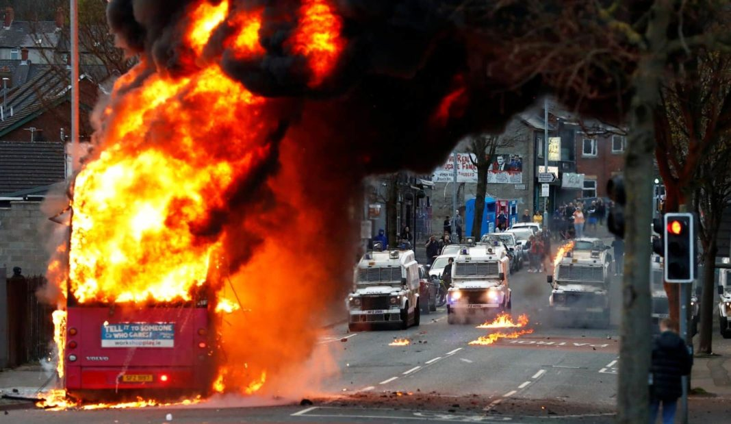 Emergency meeting to be held over violence in Belfast, with bus set on fire